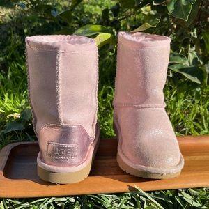 UGG🍁🍂Classic short light pink winter boots 12